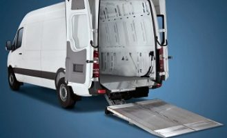 Cantilever Liftgate_Ford Transit HR_2